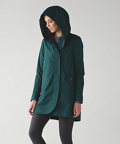 lululemon-savasana-waterproof-jacket-fuel-green