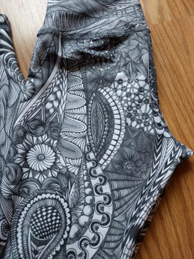 niyama-sports-leggings-review-zentangle-print